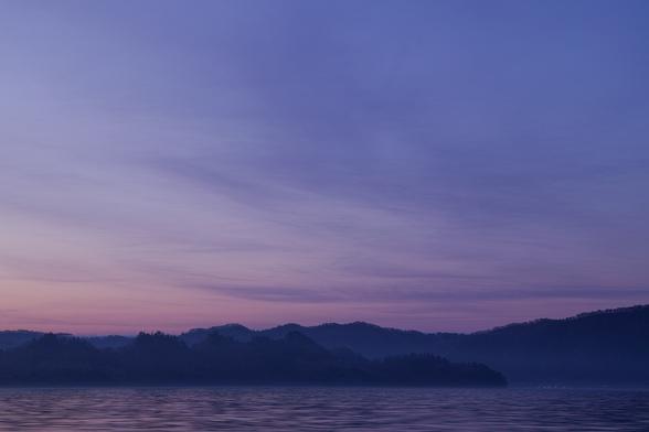 20130518朝の十和田湖・大川岱桟橋-20.jpg