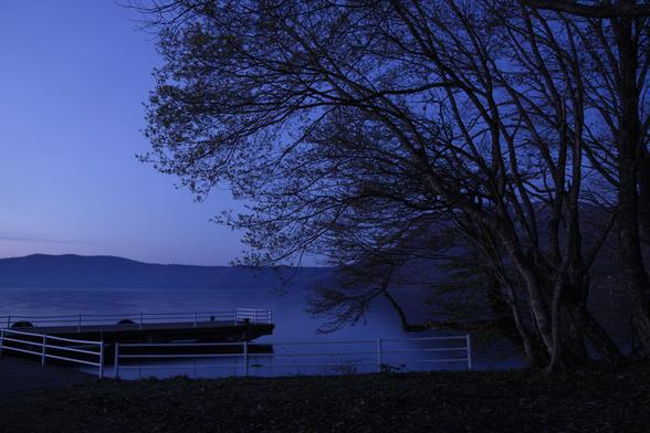 20130518朝の十和田湖・大川岱桟橋-7.jpg